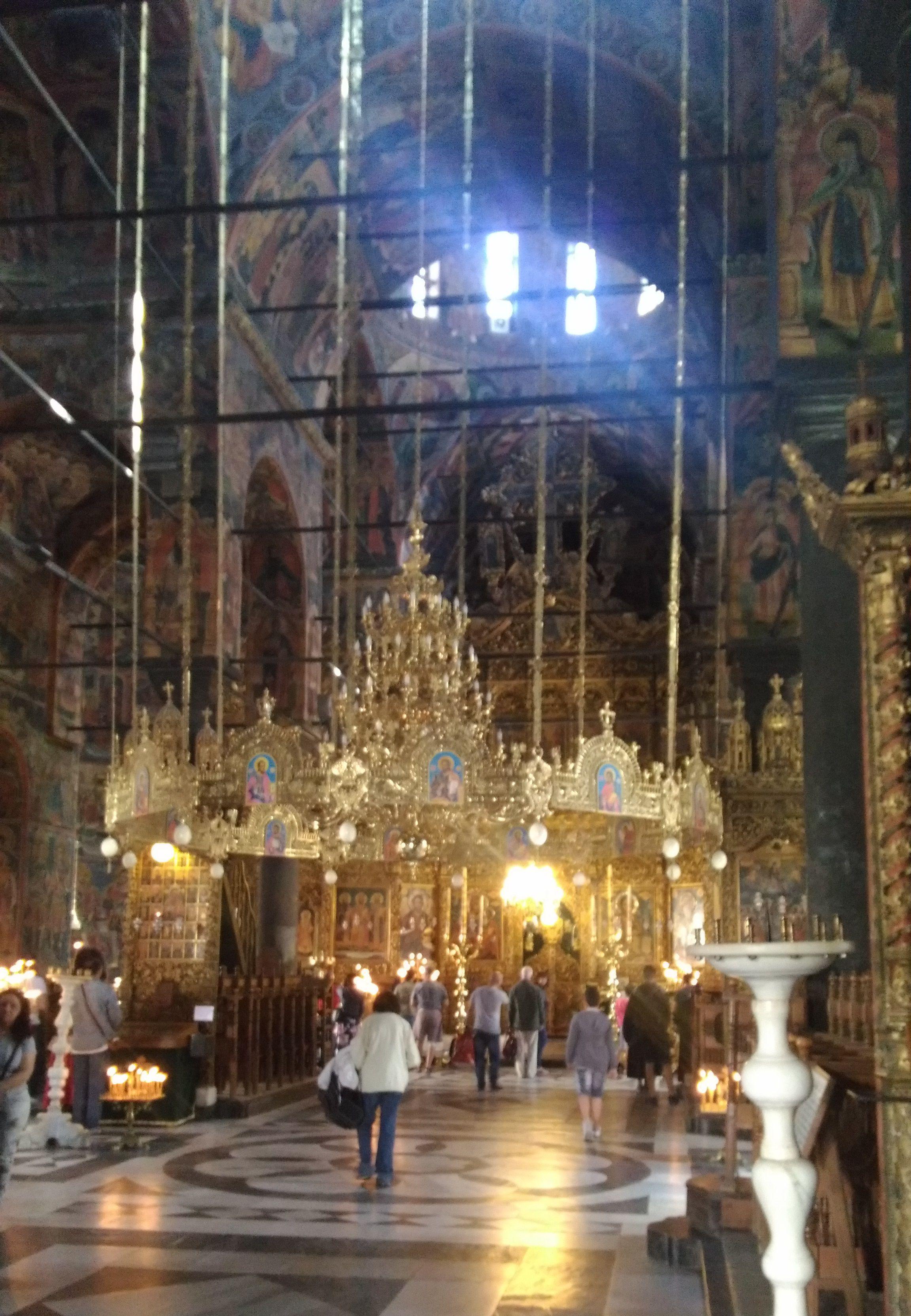Rilski Manastırı'nın Görkemli Avizesi