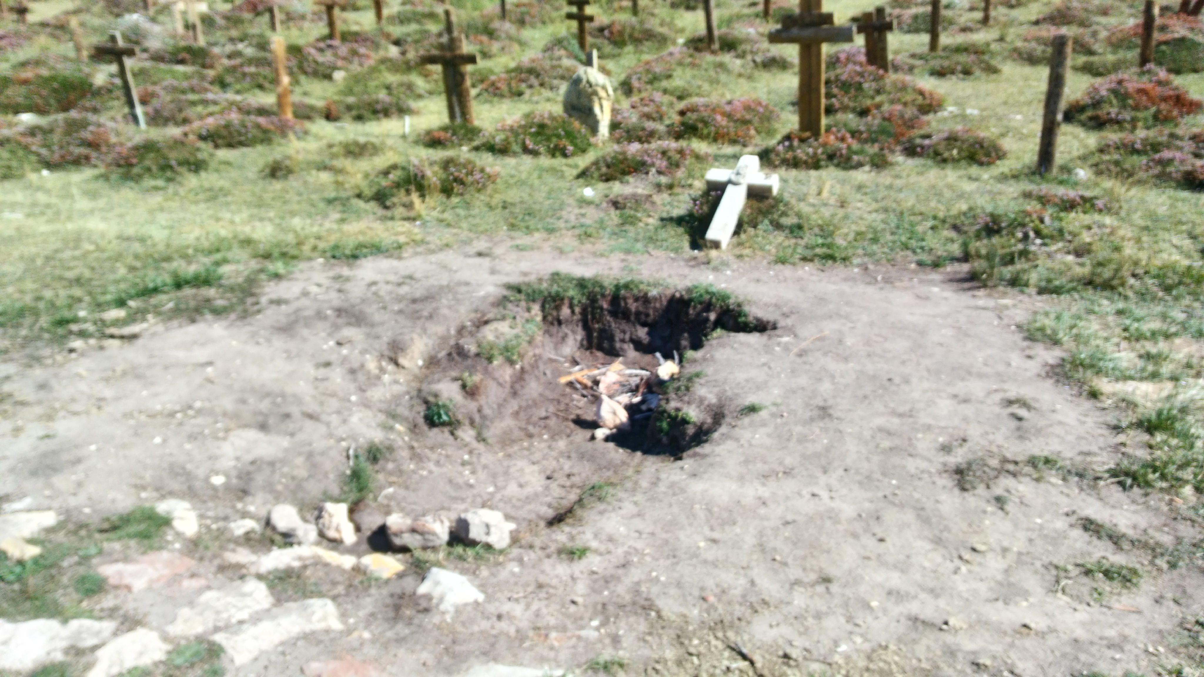 Angel Eyes'ın içine düştüğü mezar...